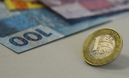 Receita deposita terceiro lote de restituição do Imposto de Renda ...