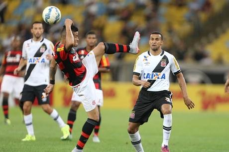 Em situações opostas no Brasileirão, Flamengo e Vasco se ...