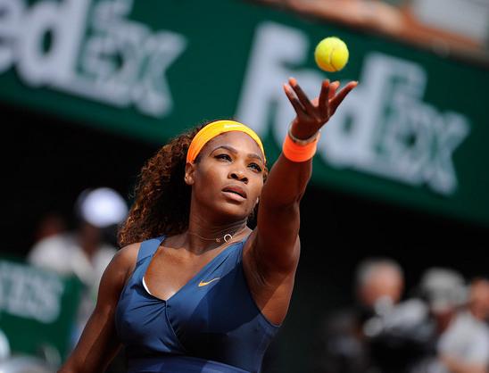 Serena celebra vitória em 'jogo bizarro' após abandono de rival na ...