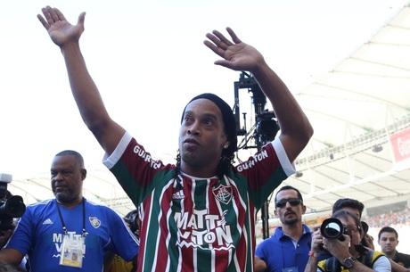 Ronaldinho Gaúcho desfalca o Fluminense pelo menos até domingo