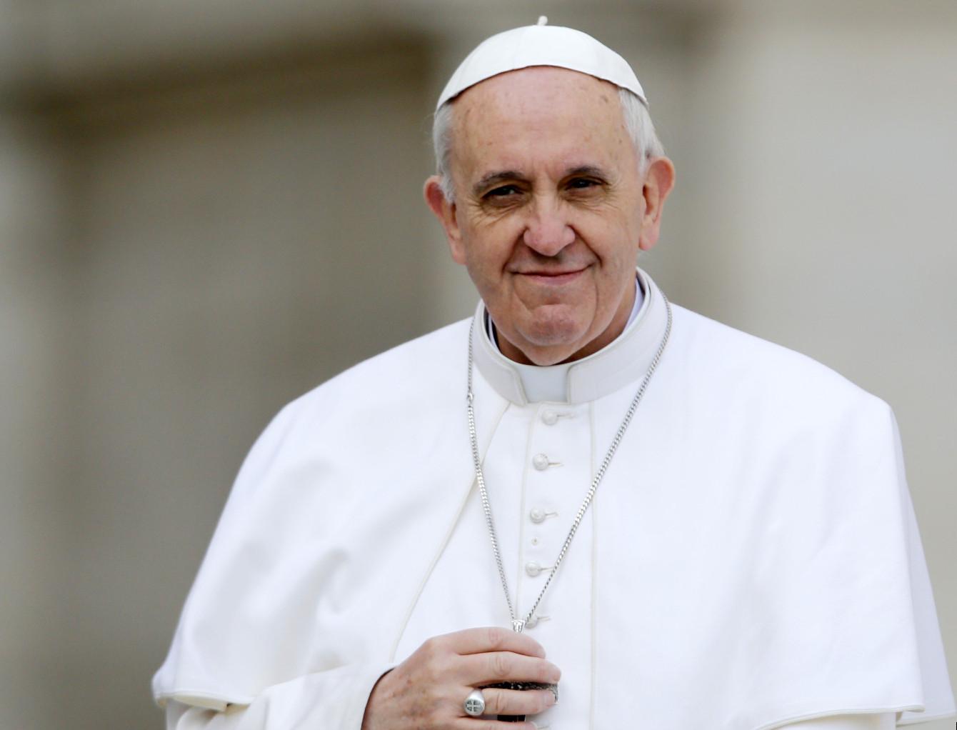Papa Francisco diz que planeja visitar área afetada por terremoto ...