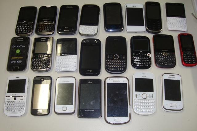 Resultado de imagem para foto de celular roubado