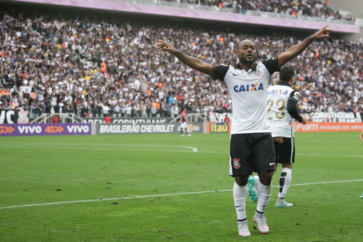 Corinthians vence fácil no Itaquerão lotado e volta abrir folga na ...