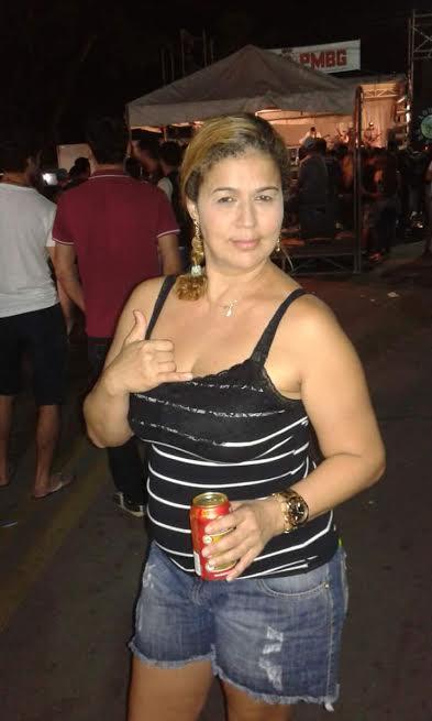 Mulher é assassinada a tiros dentro de bar em Baixo Guandu ...