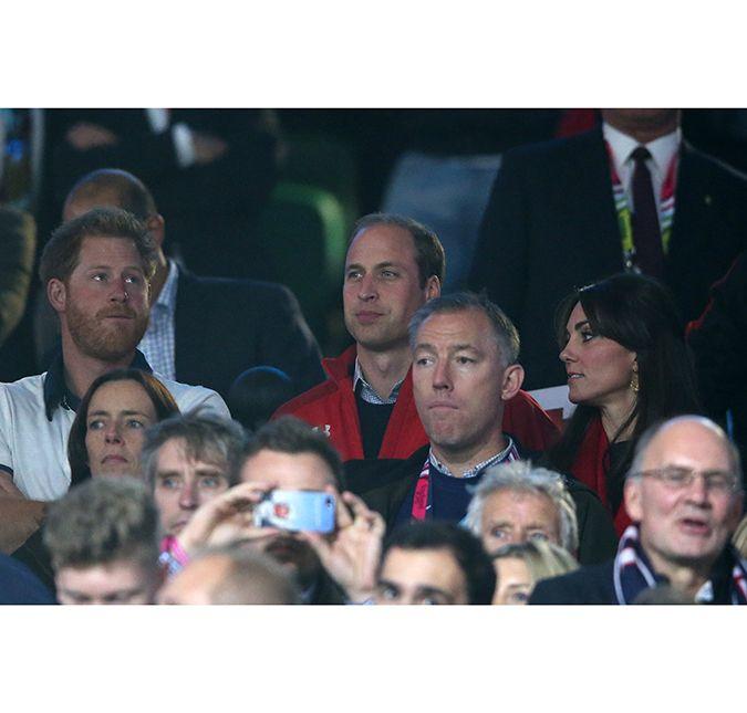 Príncipes William e Harry mostram que na realeza também há ...