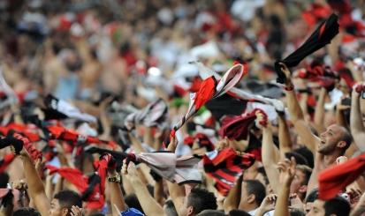 Flamengo desembarca em Vitória no domingo para amistoso contra ...