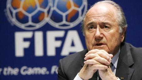 Suspenso da Fifa, Joseph Blatter é internado na Suíça | Folha Vitória