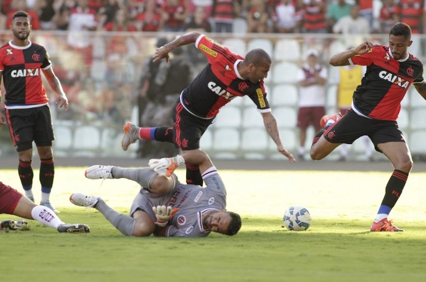 Flamengo goleia no amistoso contra a Desportiva em Cariacica ...