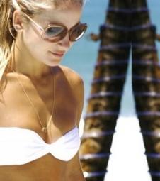 Claudia Leitte exibe barriga sequinha