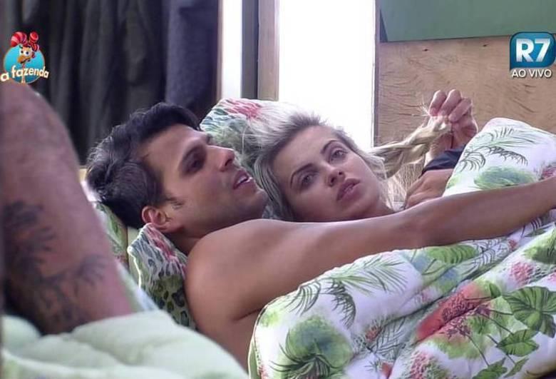 """Após sair de """"A Fazenda"""", Veridiana Freitas diz que namoro no ..."""
