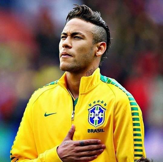 Em silêncio, Neymar se apresenta à seleção brasileira em SP ...