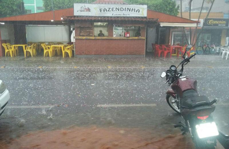 Chuva de granizo provoca destruição em Guaçuí | Folha Vitória