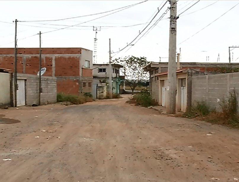 homem morre a pauladas em rua da Serra marcada pela violência
