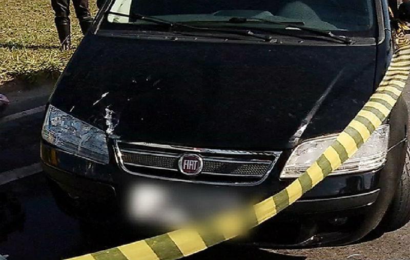 Batida entre carro e moto deixa dois feridos na Rodovia do Sol em ...