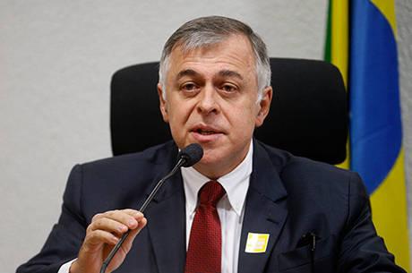 Lancha de ex-diretor da Petrobras e imóveis de doleiro vão a leilão ...