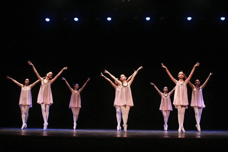 """Ballet """" No ritmo da dança"""" é apresentado em teatro de Vila Velha ..."""