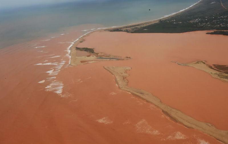 """""""Mar de lama"""": rejeitos da barragens já ocupam 50 km do litoral do ..."""