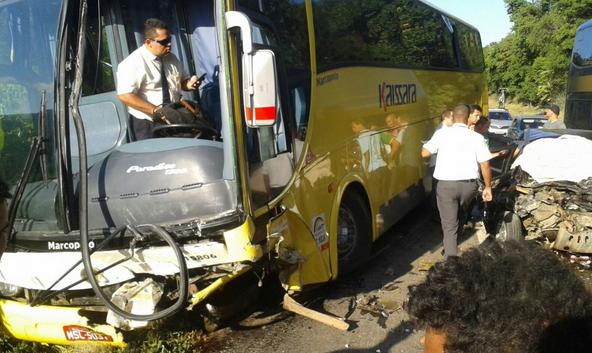O acidente foi por volta das 18h desta quarta (23), na altura do km 379, na BR 101, próximo à chegada de Iconha.