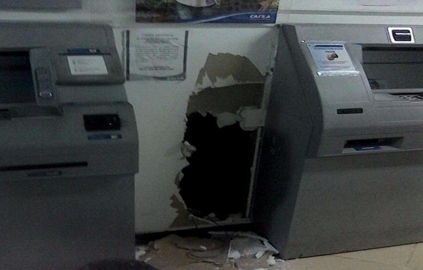 Agência bancária é arrombada em Santa Maria de Jetibá | Folha ...