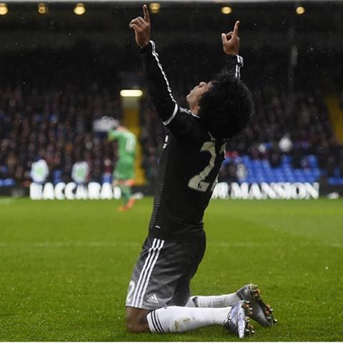 Willian marca, Chelsea goleia o City e avança às quartas da Copa ...