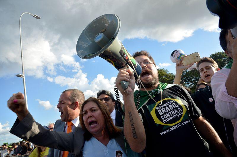 Grupos contra governo Dilma marcam nova manifestação em Vitória ...