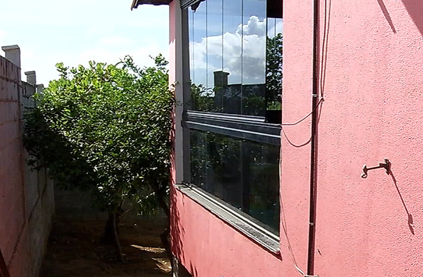 Família é feita refém dentro da própria casa na Serra | Folha Vitória
