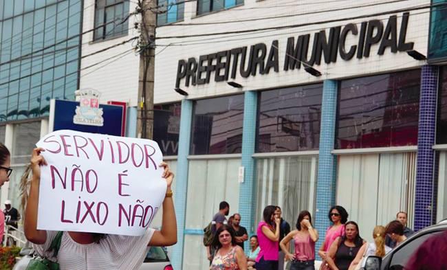 Servidores municipais de Vitória e Vila Velha permanecem em ...