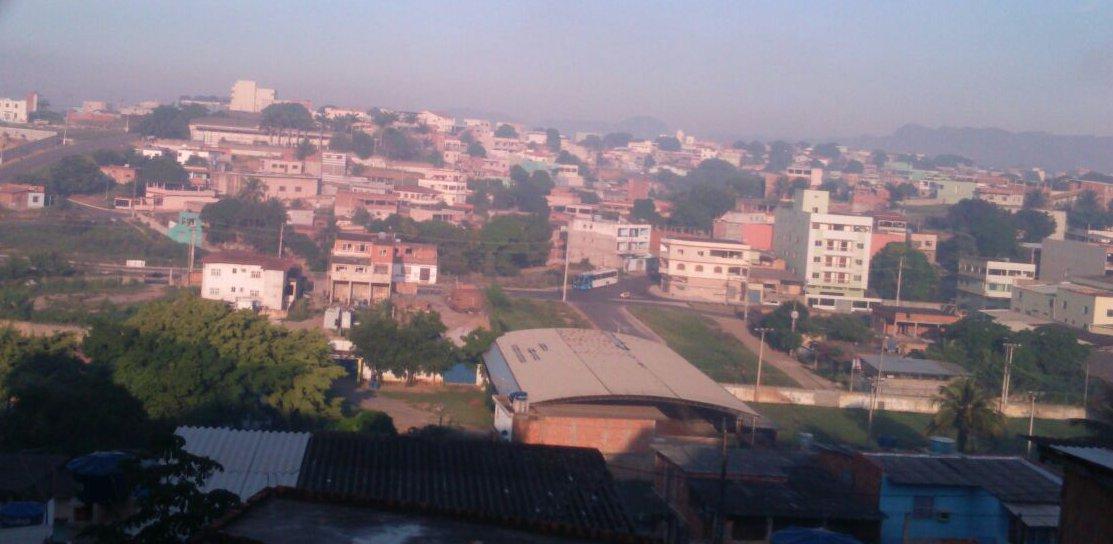 Moradores de Cariacica e Vila Velha reclamam de fumaça misteriosa