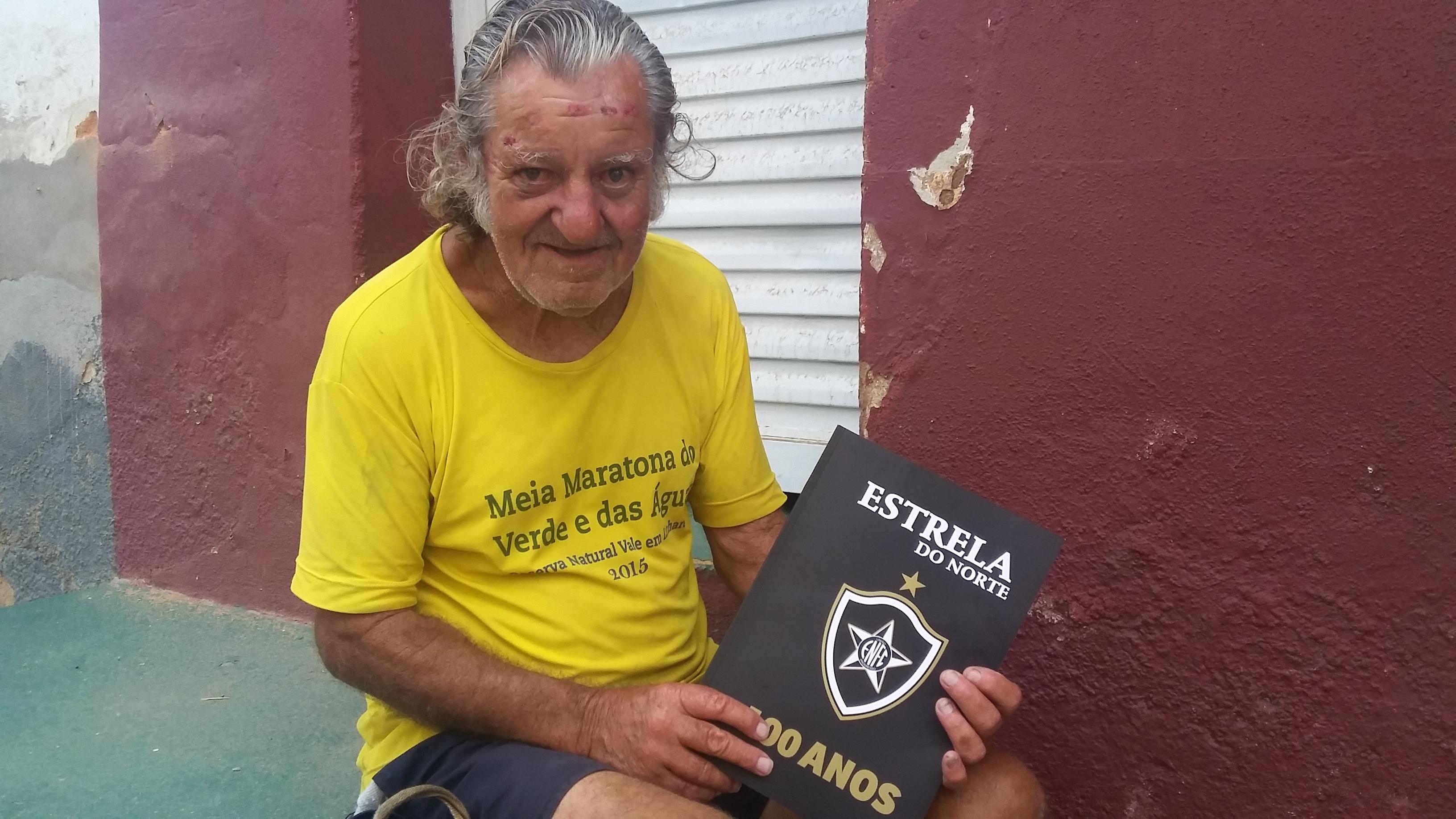 Revelado pelo Vasco, ex- jogador hoje vive pelas ruas de Cachoeiro ...