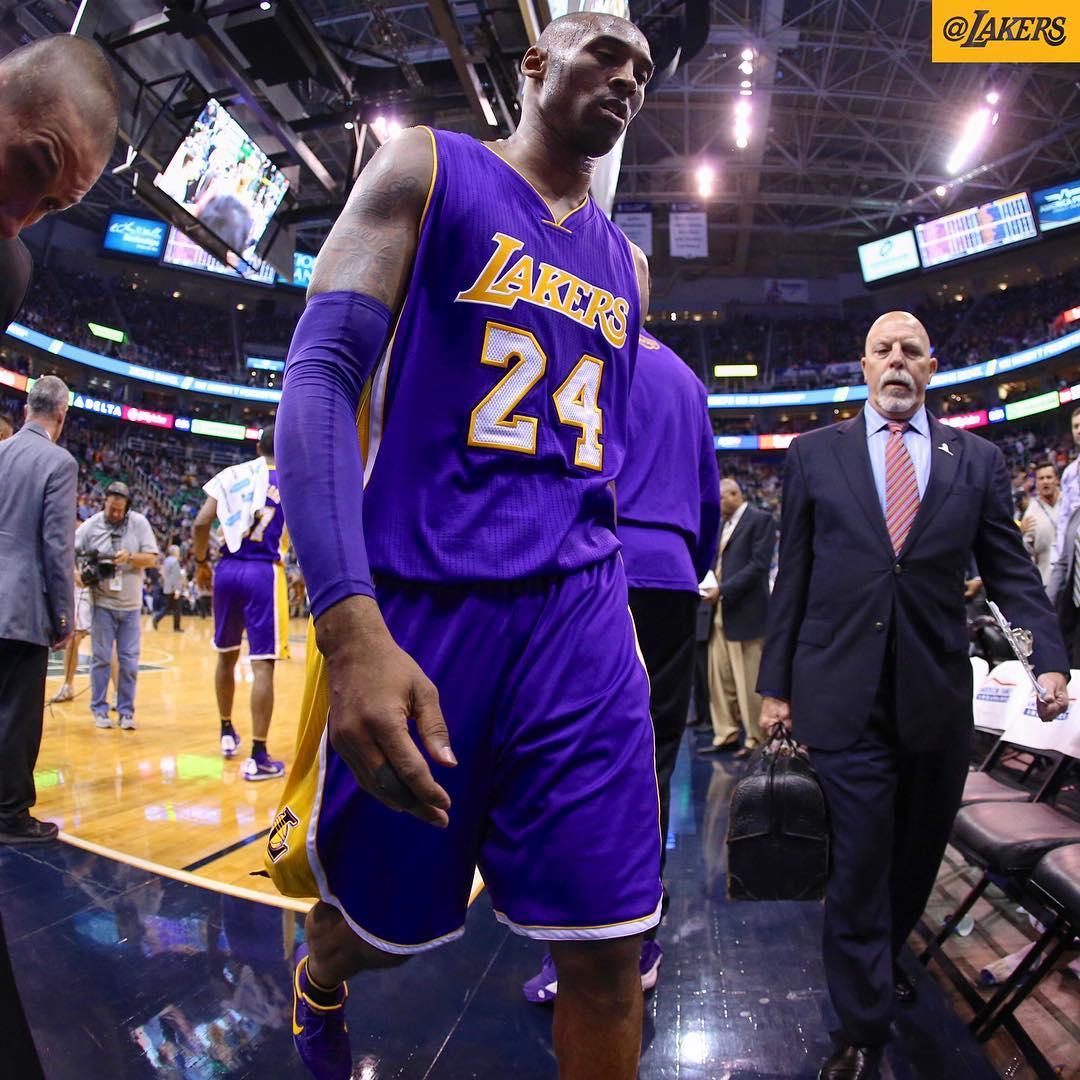 Jazz massacra Lakers e impõe a Kobe a pior derrota da sua carreira ...