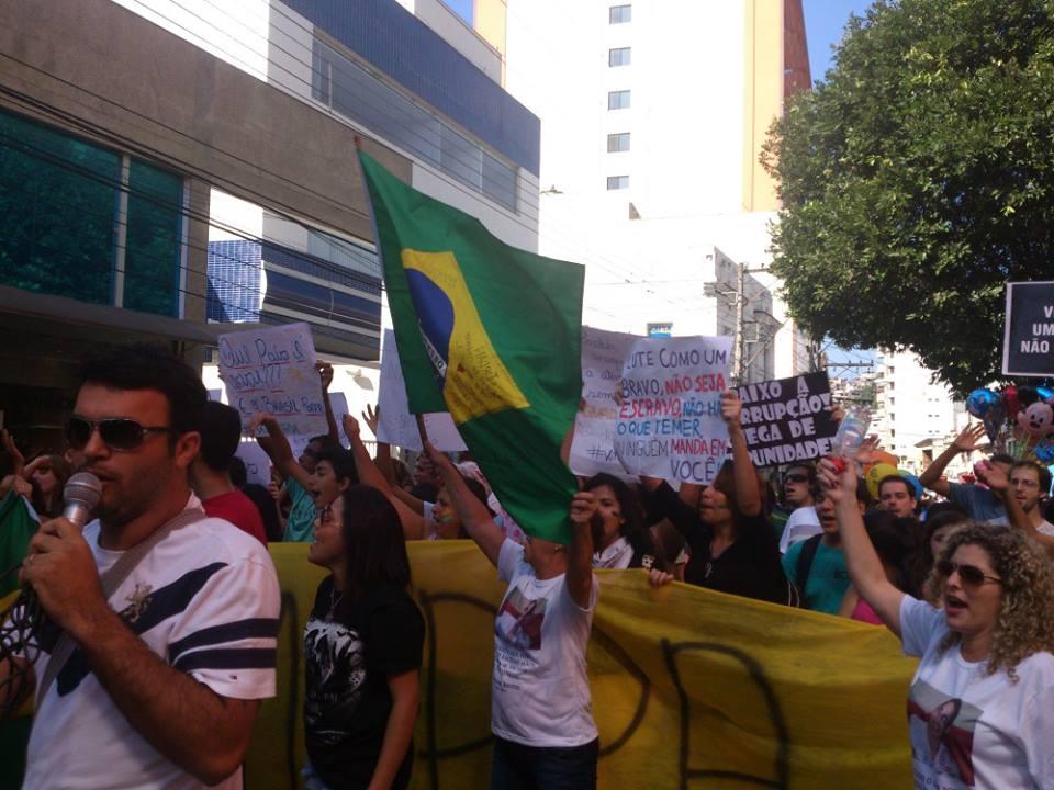Cachoeirenses prometem ir às ruas protestar neste domingo | Folha ...