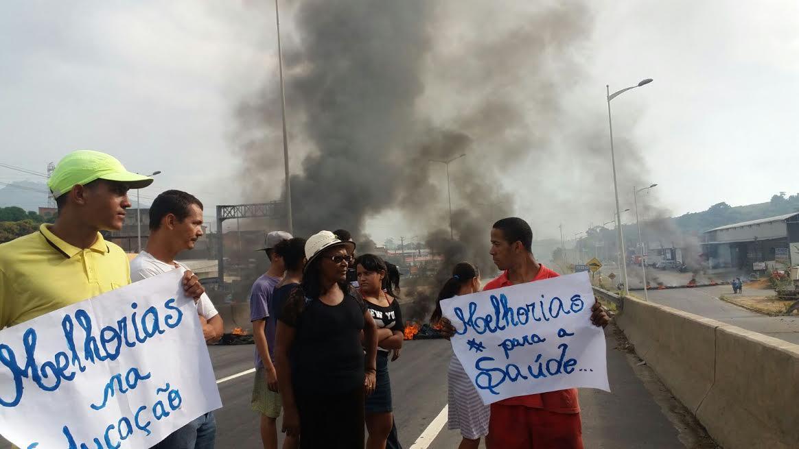 Protesto deixa trânsito complicado na Rodovia do Contorno, em ...