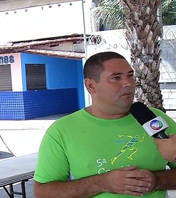 Equipe da TV Vitória conversa com homem que salvou a vida de ...
