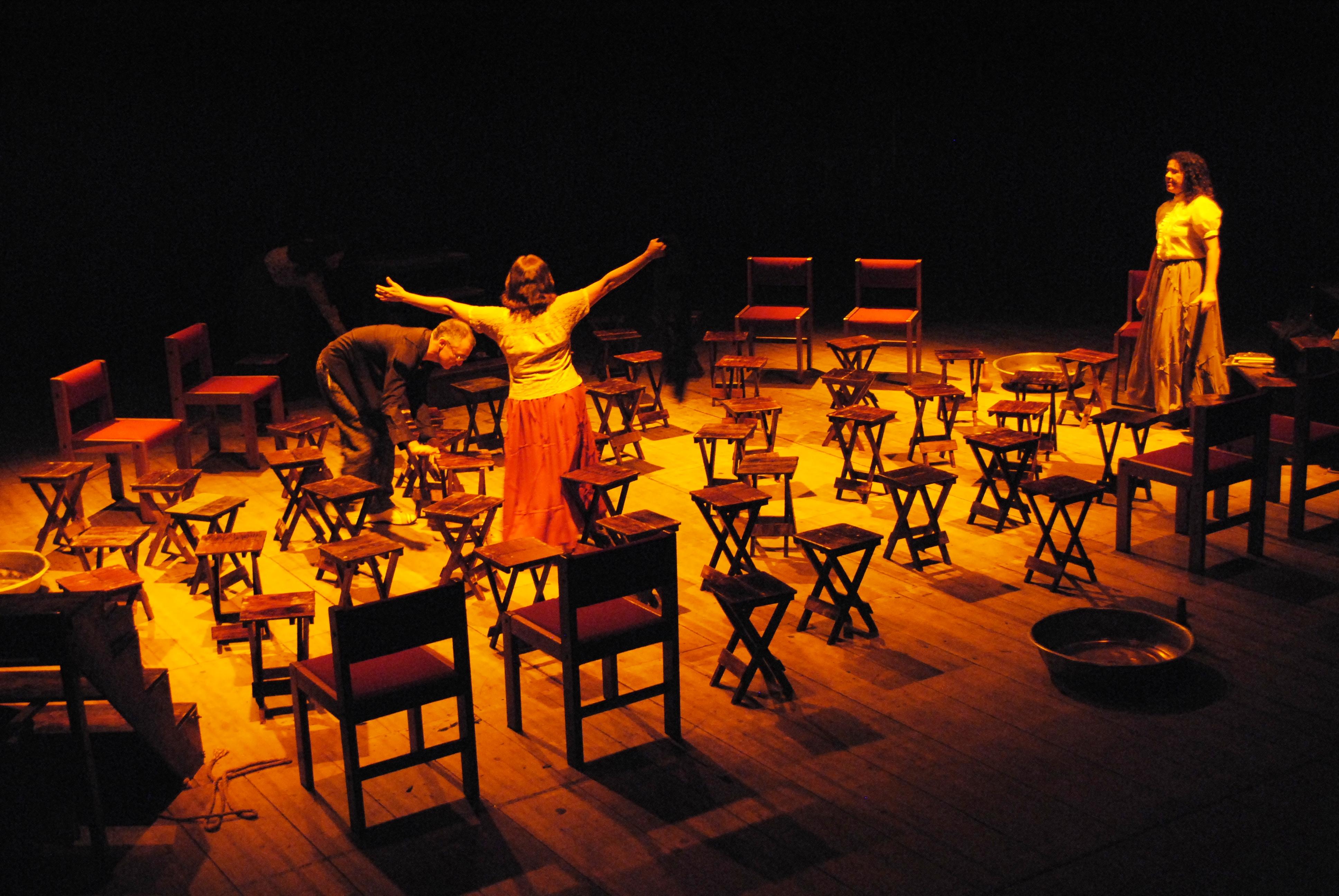 """Espetáculo """"Anáguas - A dramaturgia Paraibana em cena ..."""