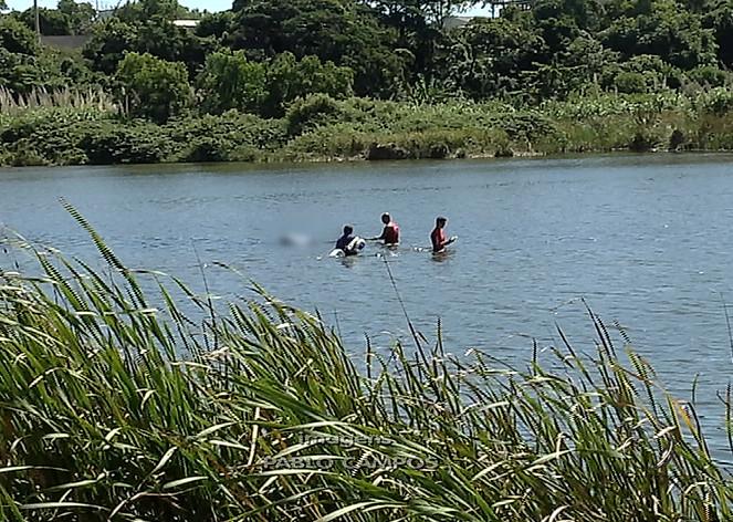 Corpo de homem é encontrado boiando na Lagoa de Carapebus ...