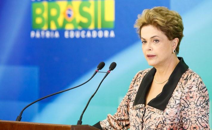 Dilma pretende anunciar reajuste do Bolsa Família no 1º de Maio ...