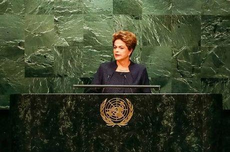 """""""Brasil vive grave momento, mas tem sociedade que venceu ..."""