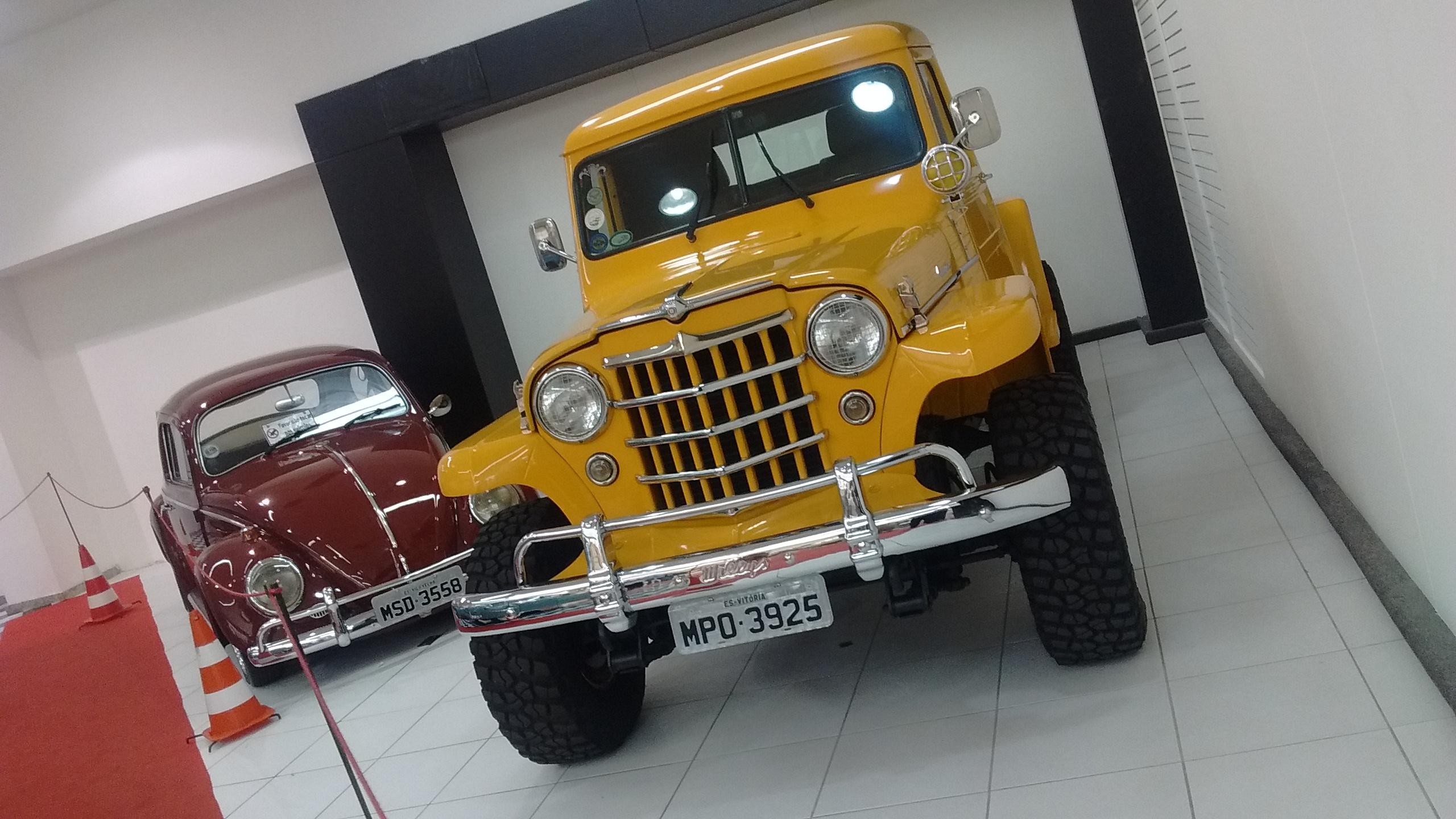 Exposição de carros antigos ganha espaço fixo em shopping de ...
