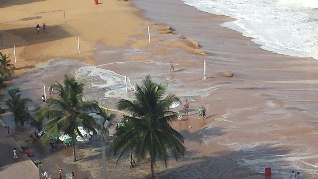 'Maré de Sizígia' causa ressaca em praias de Vila Velha   Folha Vitória