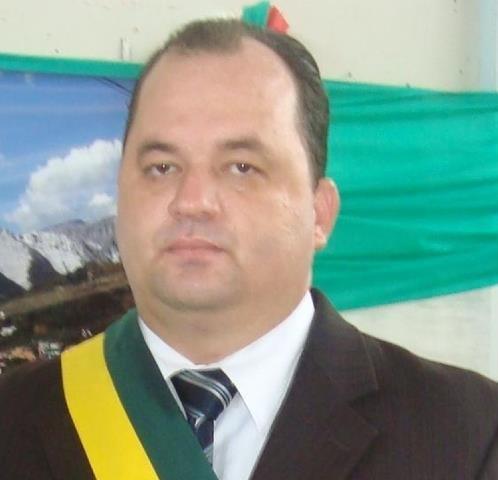 Justiça condena ex-prefeito de Vila Pavão por desvio de dinheiro ...