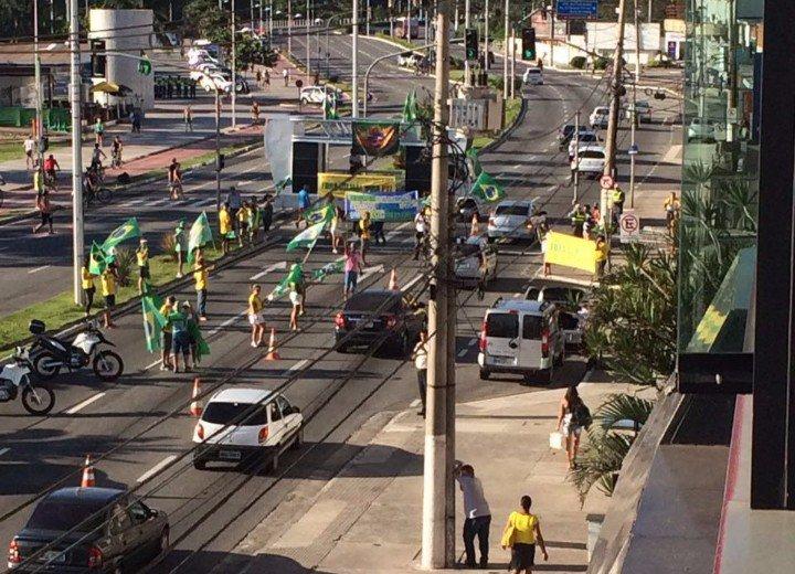 Protestos têm baixa adesão mas complicam o trânsito na Grande ...