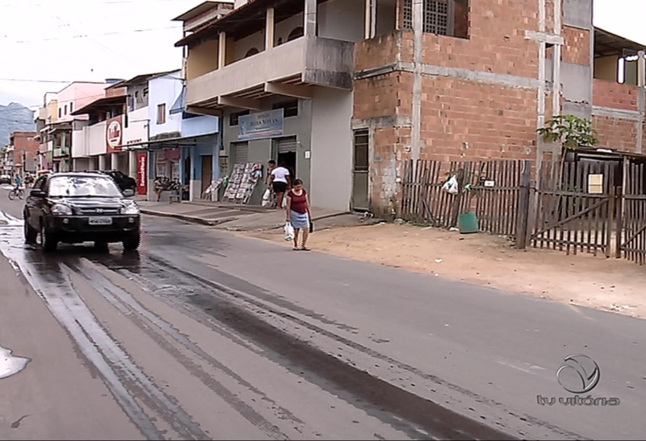 Jovem é morto com sete tiros na frente do tio na Serra | Folha Vitória