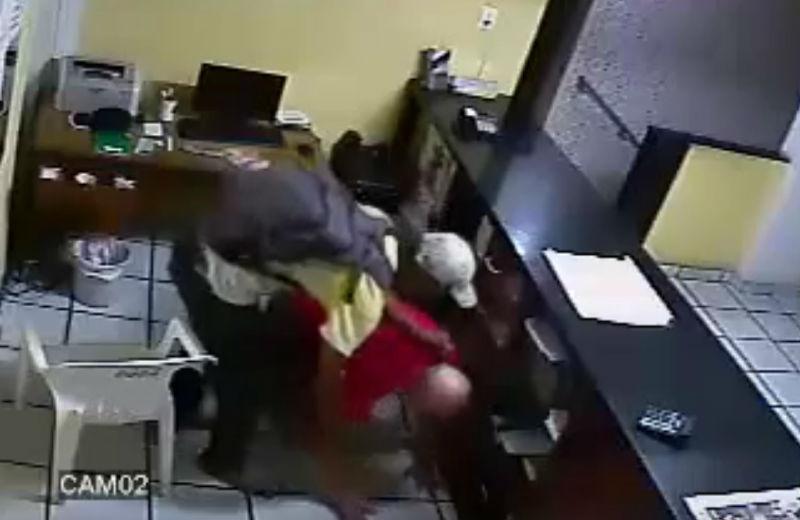 Recepcionista de hotel é rendido e ameaçado por hóspede em Vila ...