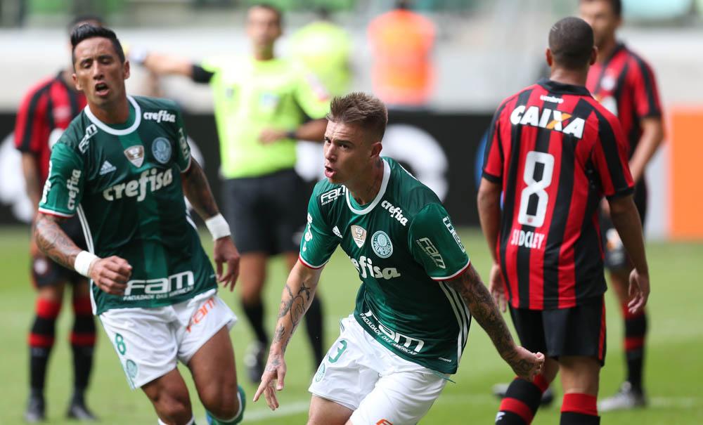 Róger Guedes marcou o primeiro gol do Palmeiras no Brasileirão