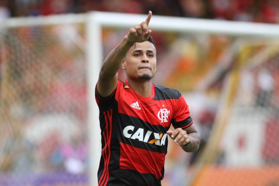 Em jogo fraco, Flamengo quebra jejum e vence Sport na 1ª rodada ...