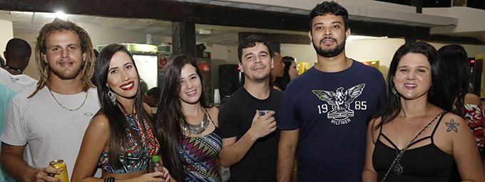 Ponto de Equilíbrio e Black Alien fazem show inédito em Vitória