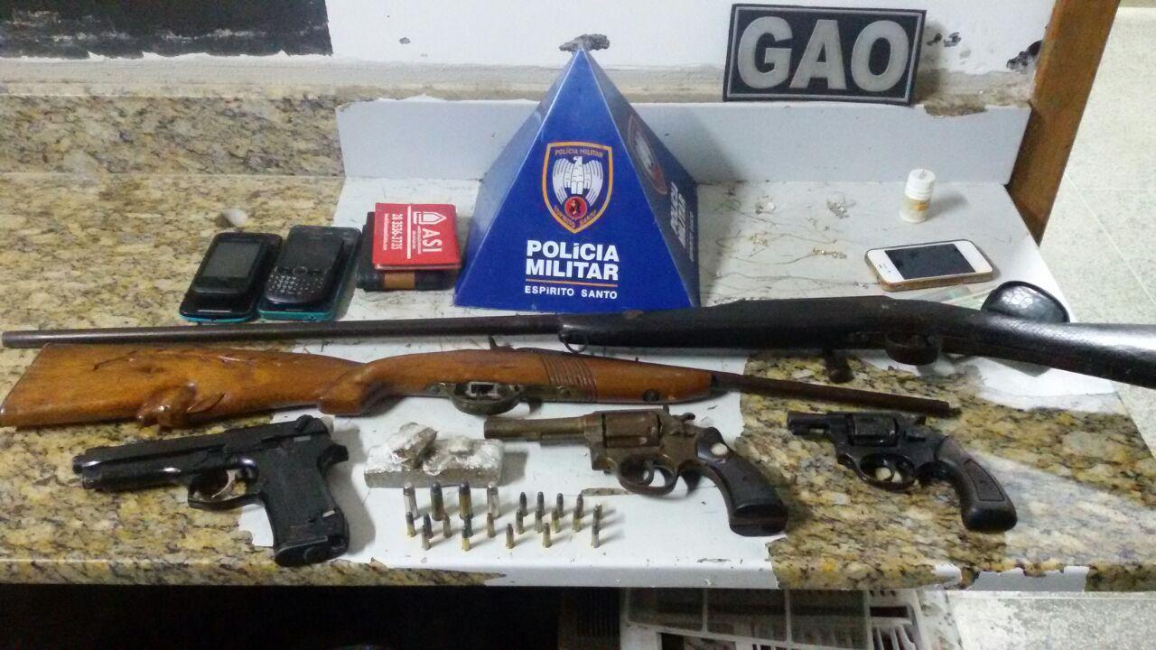 Guarda-vidas é detido pela PM por vender armas ilegalmente no ...