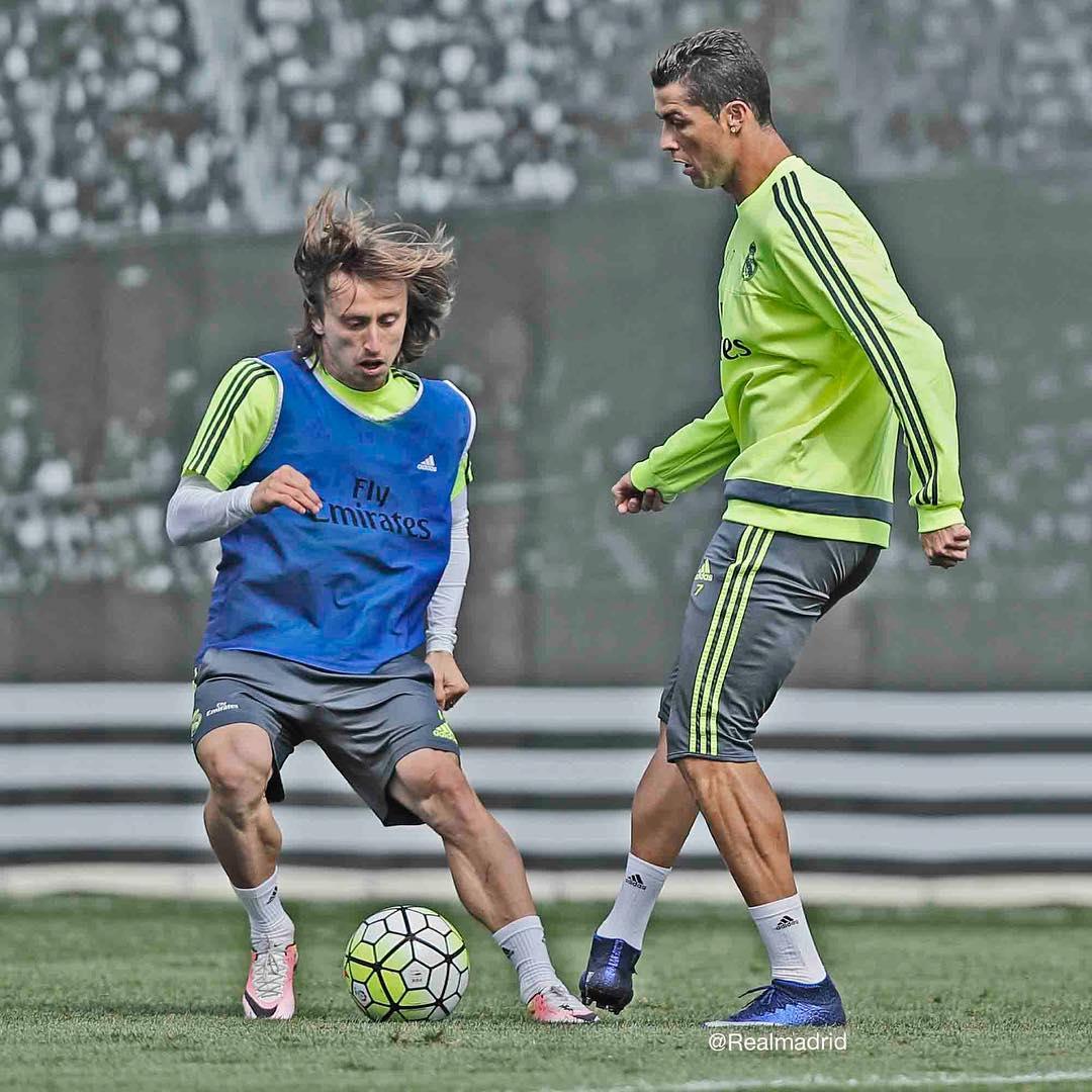 Cristiano Ronaldo deixa treino antes do fim, mas não preocupa para ...