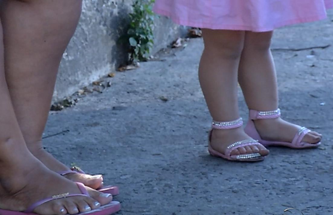 Menina de dois anos é feita refém junto com a família em Vila Velha ...