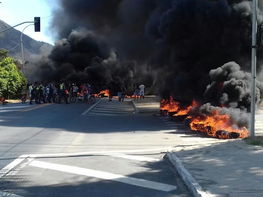 Manifestação de moradores interdita BR-101 nesta sexta-feira ...